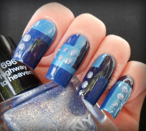 anny - nail art blue1