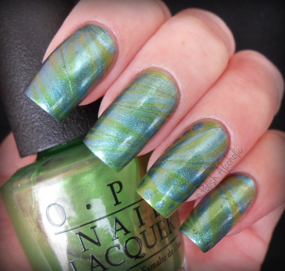 opi - this color s making waves - my gecko does tricks